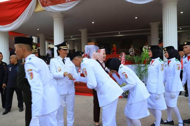 Wakil Bupati Tulangbawang Pimpin Upacara Penurunan Bendera