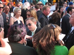 Martin Freeman was very gracious about autographs.