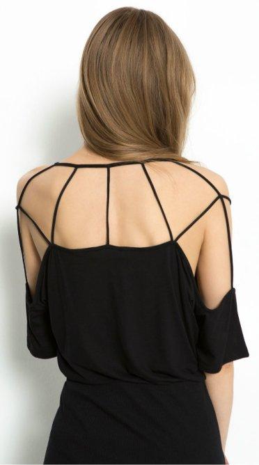 Bershka strappy t-shirt 1190 rsd