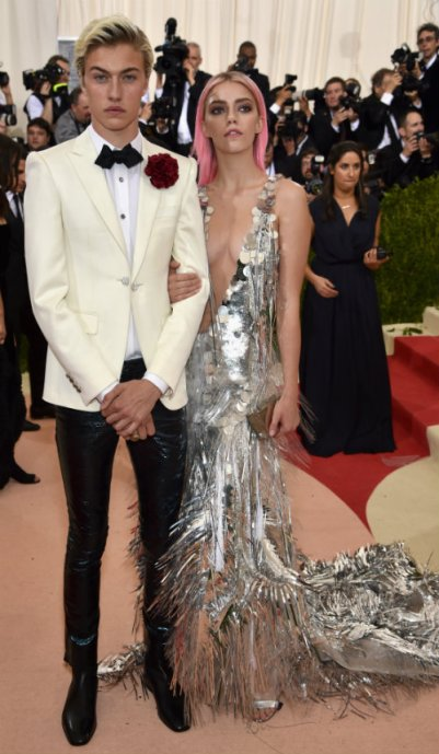 met-gala-2016-lucky-blue-and-pyper-smith-wearing-hm