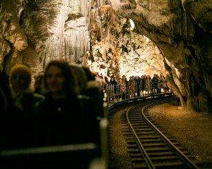 Vichy_Postojnska jama_Slovenija_predstavljanje inovacije Mineral 89_04