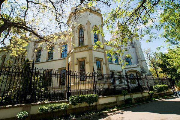 ТОП-8: самые необычные дворцы и усадьбы Украины (часть 2)