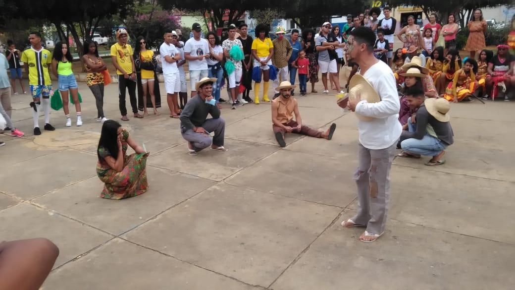 Chapada: Caravana de Teatro Itinerante ocorre em Utinga