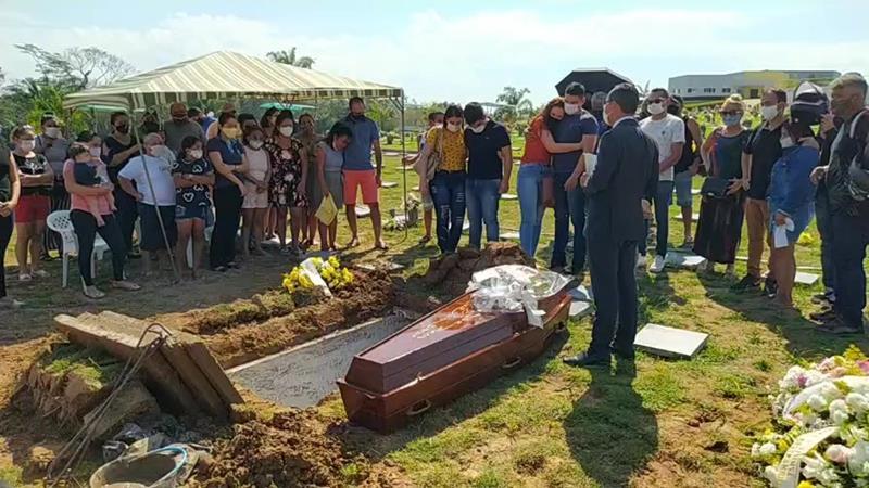 enterro-jovem-2 (Copy)