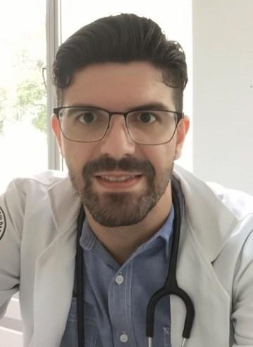 Dr. Jhonatan Aredes, atua na linha de frente na rede municipal de saúde
