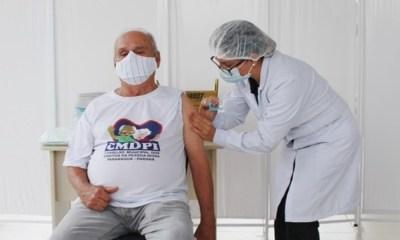 Em dois dias, 1.161 pessoas são vacinadas contra a Covid-19 no litoral