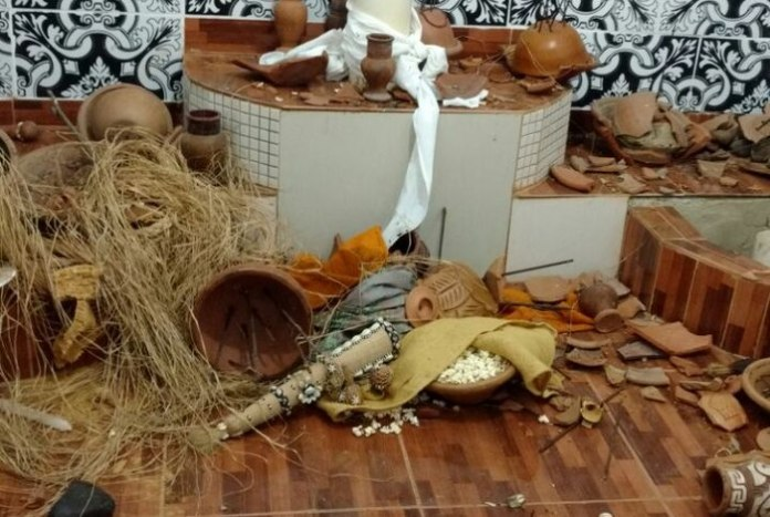 Terreiro de candomblé destruído no RJ