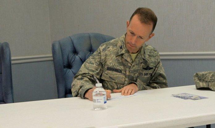 Leland Bohannon, militar que teve sua promoção a general cancelada por se opor ao casamento gay