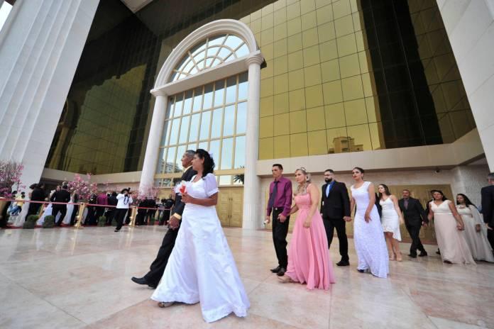 Casamento coletivo no Templo de Salomão