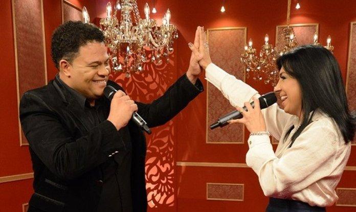 Eyshila e Wilian nascimento cantando a música