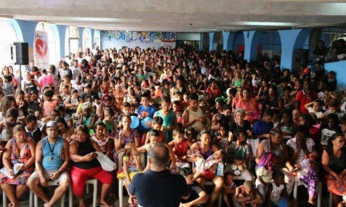 Igreja Universal realiza eventos em escolas municipais no Rio de Janeiro