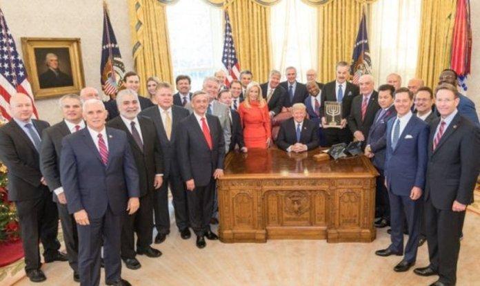 Presidente Donald Trump e pastores na Casa Branca após EUA reconhecer Jerusalém como capital de Israel