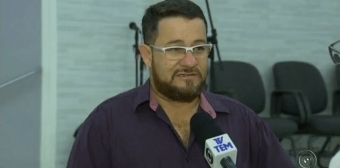 Pastor Gétero foi atacado com faca durante culto transmitido ao vivo