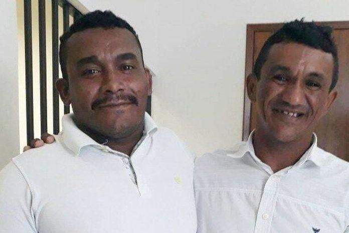 Sebastião Felizardo (d) perdoou Hugo Ferreira da Paixão (e) da tentativa de homicídio que sofreu ao levar sete facadas