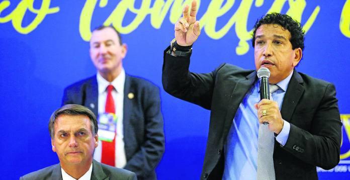 Magno Malta com Jair Bolsonaro