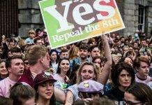 Eleitores irlandeses favoráveis ao aborto (maio 2018)