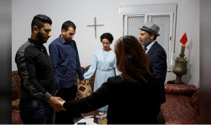 Cristãos orando em Marrocos