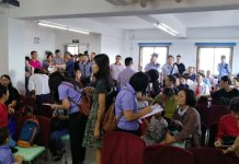 Autoridades chinesas coletam informações pessoais de cristãos que frequentam a Igreja Reformada da Bíblia em Guangzhou, em 15 de julho de 2018