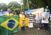 Movimentos religiosos protestaram na abertura da exposição Queermuseu Foto: Marcelo Fonseca/Folhapress