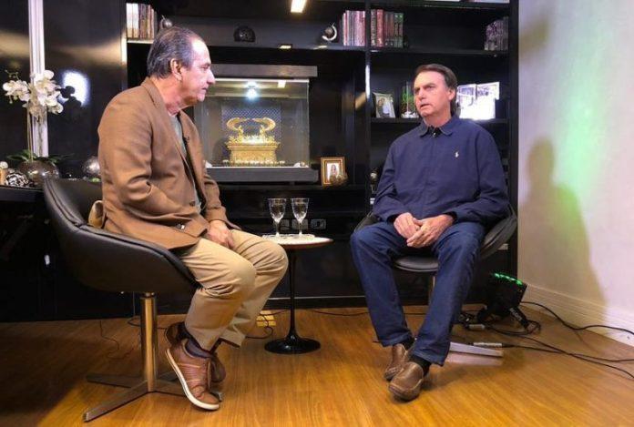 O presidente eleito Jair Bolsonaro foi entrevistado pelo pastor Silas Malafaia no programa Vitória em Cristo