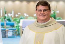 Gregory Greiten, padre católico da igreja americana que assumiu ser homossexual