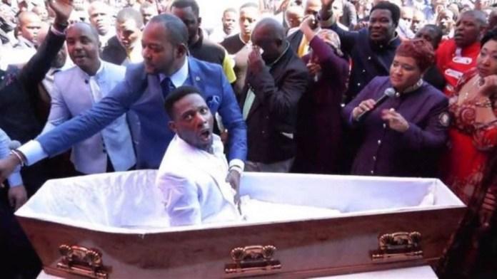 Pastor será processado por forjar milagre da ressurreição na sua igreja na África do Sul