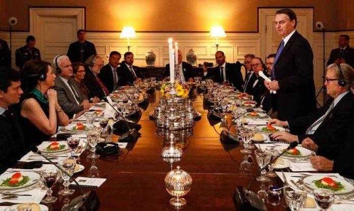 Presidente Bolsonaro discursa durante jantar em Washington, nos Estados Unidos. (Foto: Alan Santos/Presidência da República)