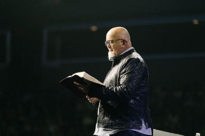 James MacDonald, pastor e fundador da igreja Harvest Bible Chapel, em Illinois, nos EUA