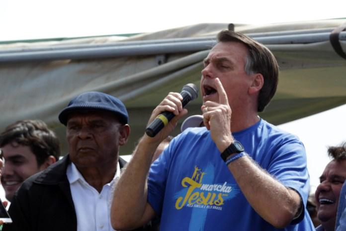 Presidente Jair Bolsonaro discursando na Marcha para Jesus 2019, em Brasília