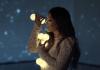 """Gabriela Rocha no clipe oficial da música tema do filme """"Mais Que Vencedores"""""""