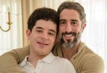 Apresentador Marcos Mion e seu filho Romeo.