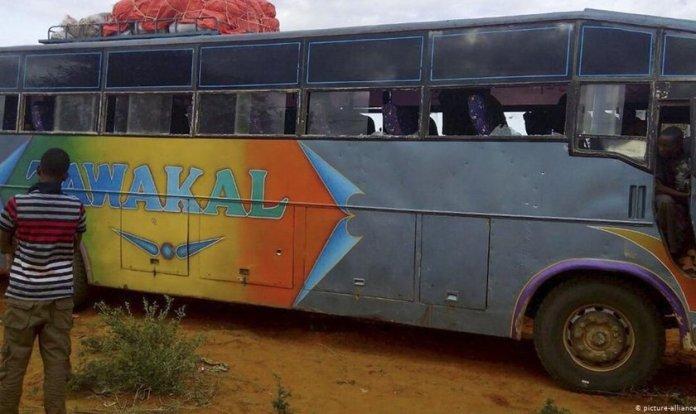 Ataques terroristas a ônibus tornaram-se comuns no Quênia. (Foto: picture-alliance/dpa)