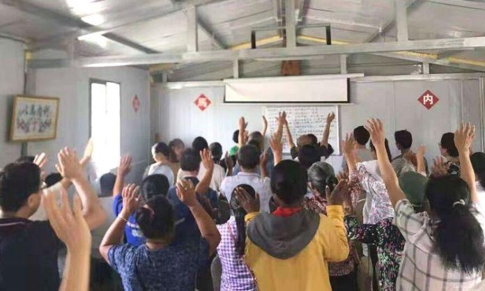 Apesar de enfrentarem perseguição de parentes e governo, cristãos chineses não abandonam a fé