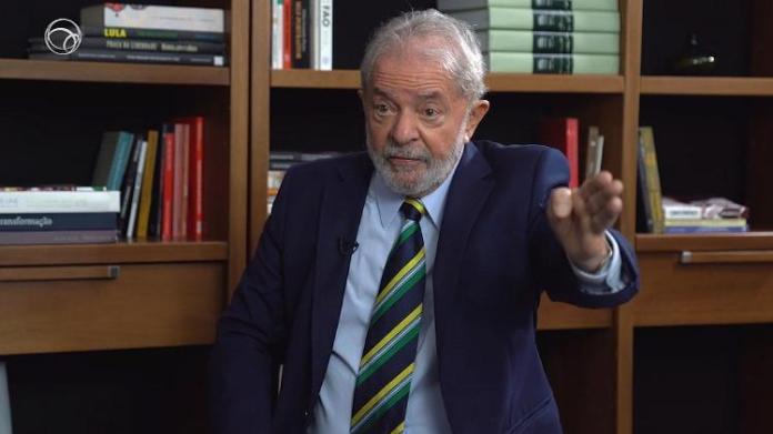 Ex-presidente Luiz Inácio Lula da Silva concede entrevista ao portal UOL.
