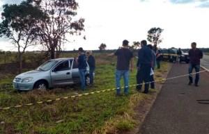 Read more about the article Corpo de mulher é encontrado pendurado em árvore ao lado de carro na BR-262