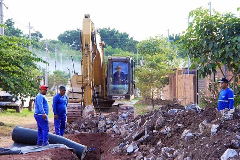 Read more about the article Prefeitura executa drenagem e pavimentação da parte baixa do bairro Padre Ernesto Sassida