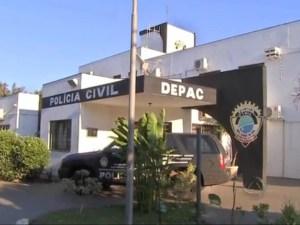 Read more about the article Haitiano é preso ao oferecer pasta base para policiais civis