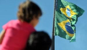 Read more about the article Sancionada lei que obriga escolas de MS a cantar hino e hastear bandeira