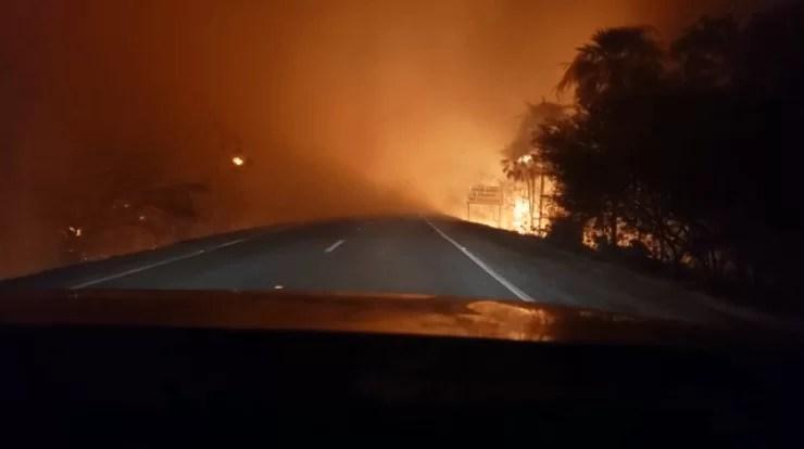 Read more about the article Queimadas | PRF recomenda que motoristas evitem viajar à noite pela BR-262