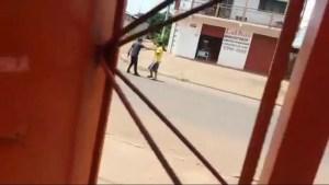 Read more about the article Após briga em escola, sargento da PM tira satisfação, tem arma tomada e suspeito atira