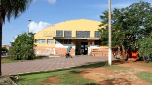 Read more about the article Vereador pede serviços de limpeza e manutenção de praça ao lado do antigo mercadão