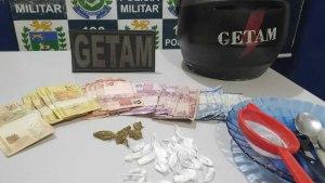 Read more about the article GETAM prende indivíduos por tráfico de drogas no bairro Cristo Redentor