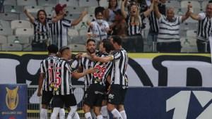 Read more about the article Atlético-MG vence Santos de virada e mantém vantagem no Brasileiro