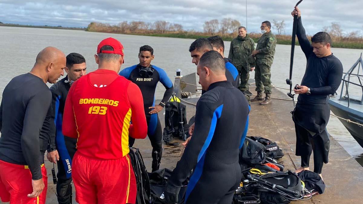 Read more about the article Equipes de resgate localizam três vítimas de naufrágio em Corumbá