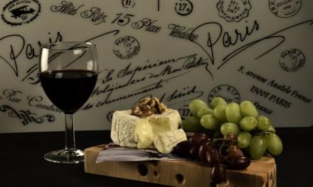 Ost og vin til dessert