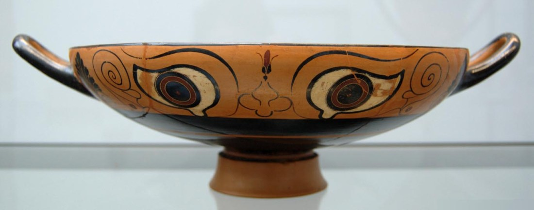 Black-figured eye-cup, ca. 530 BC (https://commons.wikimedia.org/w/index.php?curid=2207942)