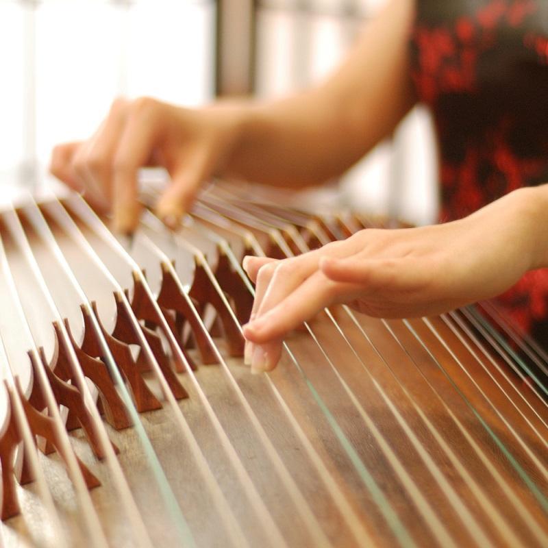 An Oriental Flair- Eastern Harp Meets Western Strings