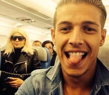 jelena karleusa u avionu