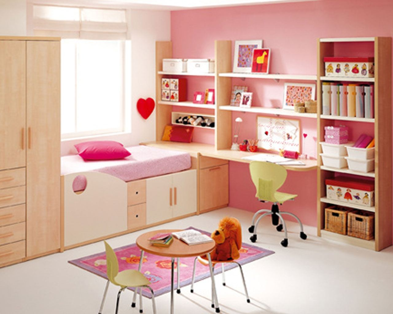 Kids Bedroom Ideas to make Small Rooms Look Spacious on Ideas For Small Rooms  id=47390