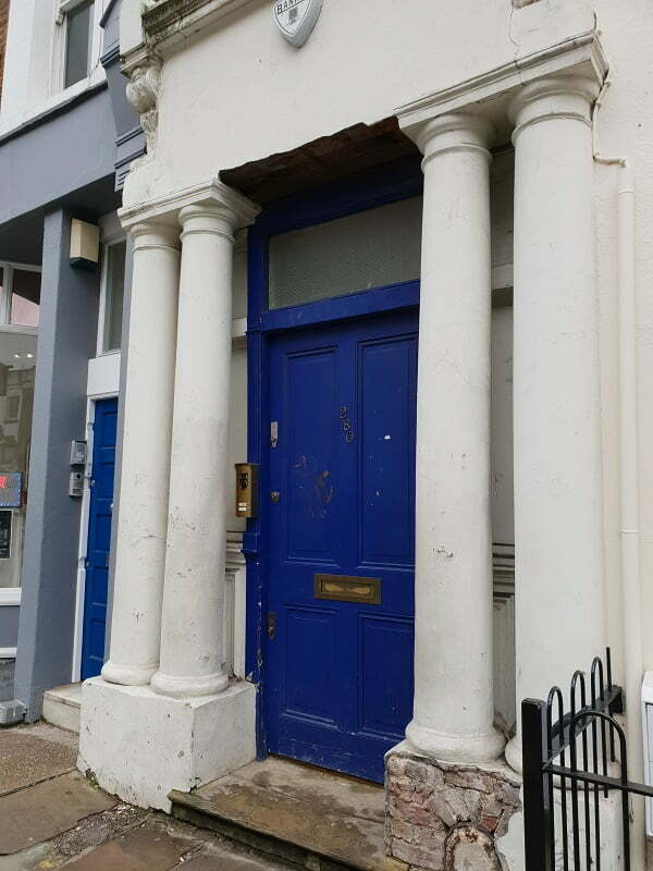 notting-hill-la-porta-blu